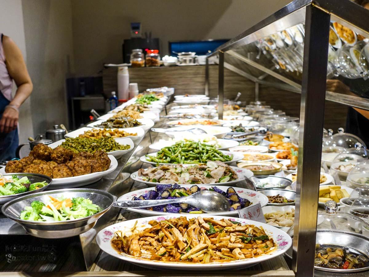 台北美食|一流清粥小菜 宵夜也能吃到熱熱的清粥小菜.北捷文湖線科技大樓站