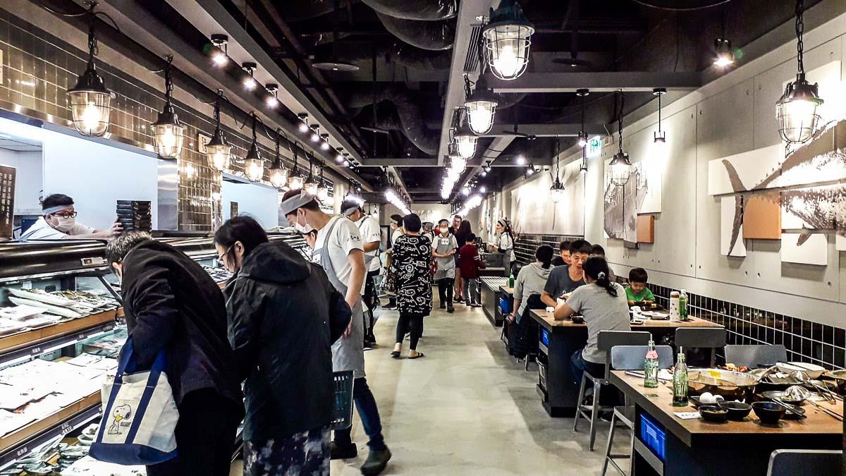 桃園美食|祥富水產火鍋超市家樂福經國店 自己吃的菜自己挑,產地直送食材硬是比一般火鍋店便宜