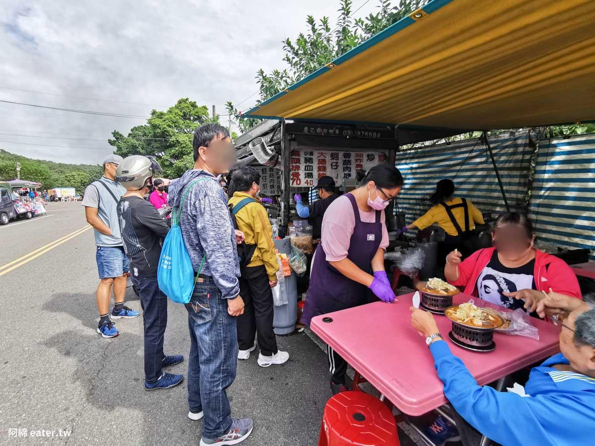 虎頭山小吃|明倫三聖宮前生意好到炸的臭豆腐、炒麵、藥燉排骨-附美食菜單價錢、停車交通2020